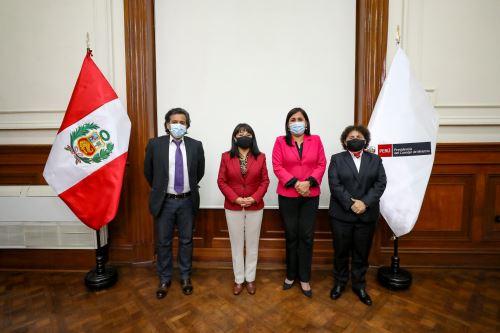 Presidenta del Consejo de Ministros se reunió con integrantes de la bancada del Partido Morado