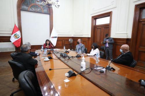 Presidenta del Consejo de Ministros se reunió con integrantes de la bancada de Renovación Popular