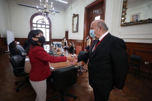 Presidenta del Consejo de Ministros se reunió con integrantes de la bancada de Avanza País