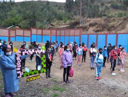 Escolares de 100 colegios de la provincia de Huari, región Áncash, reciben clases en la modalidad semipresencial. Foto: ANDINA/difusión.