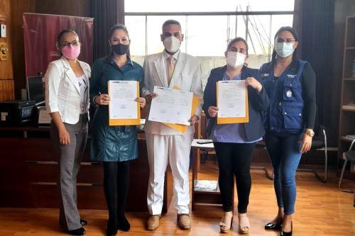 Médicos de la Geresa Lambayeque distinguidos por el Ministerio de Salud (Minsa). Foto: ANDINA/Difusión.