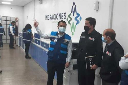 Visita de inspección a la sede de Migraciones en el distrito de Breña.