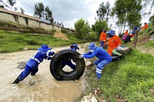 La municipalidad provincial de Cajamarca trabaja en la limpieza y descolmatación de ríos y quebradas de la ciudad. Foto: ANDINA/Eduard Lozano