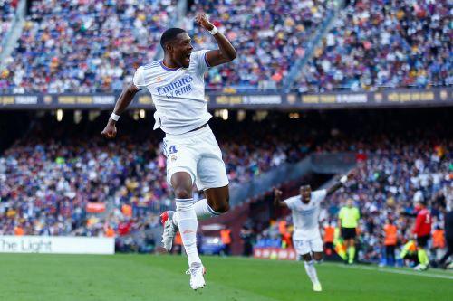 Real Madrid vence 2-1 al Barcelona en el Camp Nou