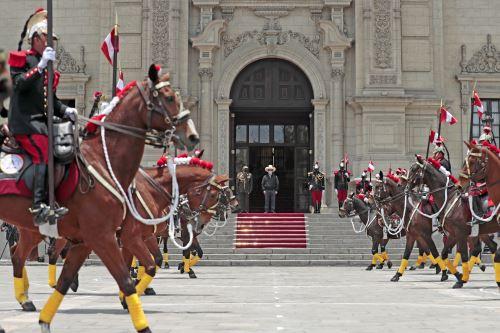 Presidente Pedro Castillo encabezó ceremonia de cambio de guardia