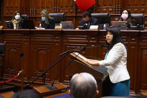 La jefa del Gabinete Ministerial expone la política general del Gobierno ante el pleno del Congreso