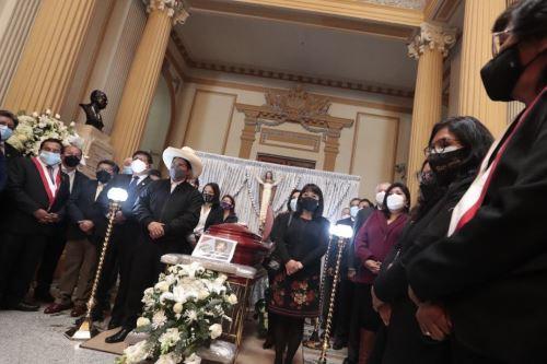 Presidente Pedro Castillo y Gabinete asisten a honras fúnebres al congresista Fernando Herrera
