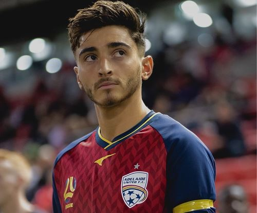 Josh Cavallo declaró ser homosexual y el mundo de fútbol lo apoya