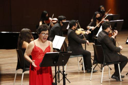 """GTN: Concierto sinfónico """"Mujeres del Bicentenario"""" rinde homenaje a Victoria Santa Cruz."""