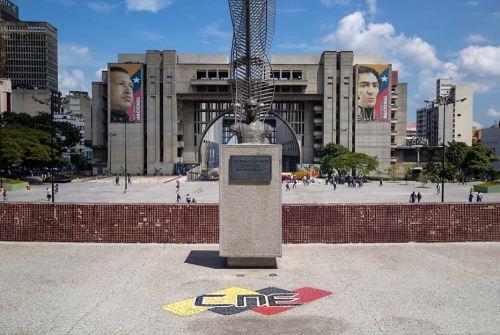 Fotografía de las instalaciones del Consejo Nacional Electoral (CNE), el 25 de octubre de 2021, en Caracas (Venezuela). Foto: EFE