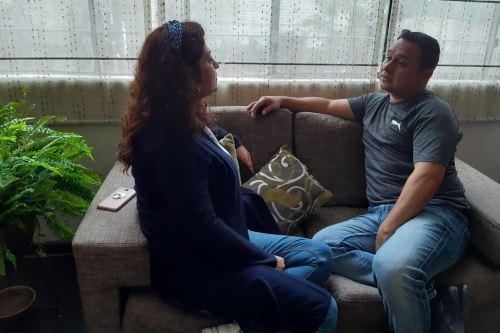 Especialistas recomiendan a las parejas expresar sus emociones de manera asertiva y realizar deporte juntos para consolidar su relación.  ANDINA/ Andina
