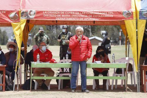 Ministro de Energía y Minas, Eduardo González Toro, participó en reunión con autoridades y población de Cotabambas. Foto: Cortesía.