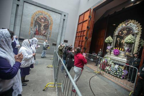 Misa solemne en honor al Señor de los Milagros