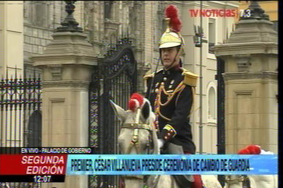 César Villanueva presidió ceremonia de Cambio de Guardia en Palacio de Gobierno