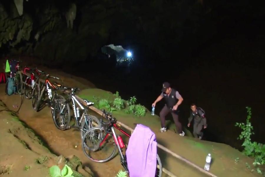 Tailandia: 12 niños quedan atrapados en una cueva tras tormentas