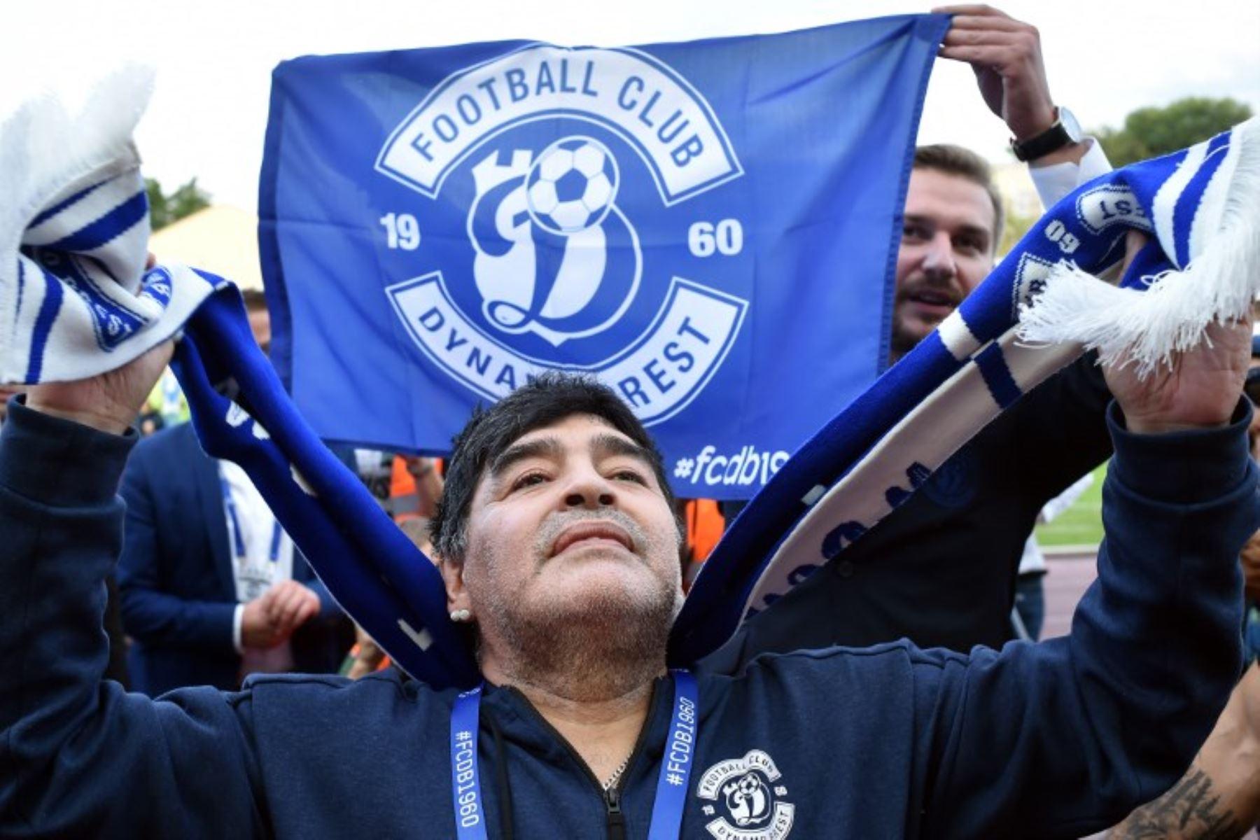 """Maradona descubre """"su"""" club Dinamo Brest"""