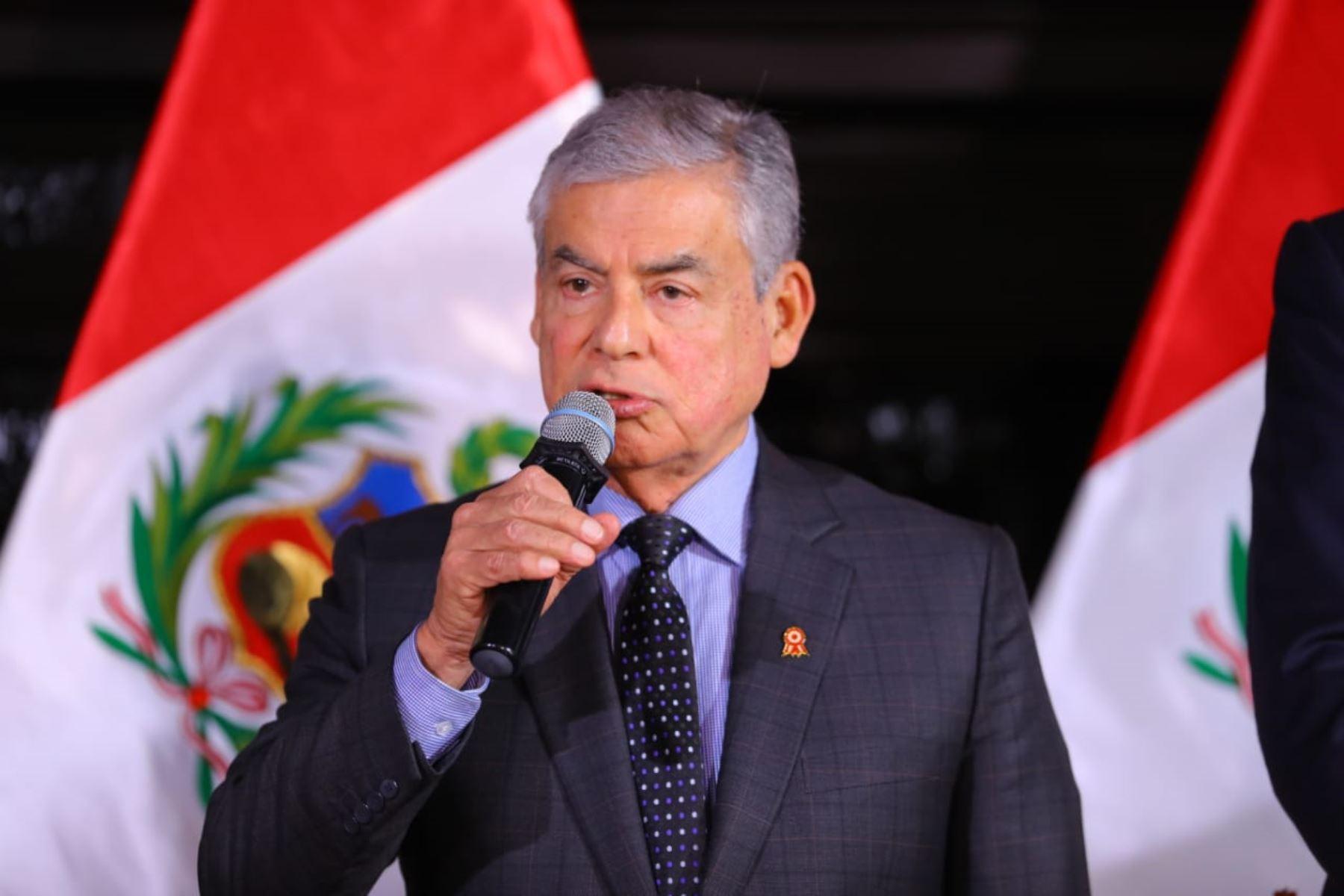 Villanueva: Chávarry debe dar un paso al costado tras audios