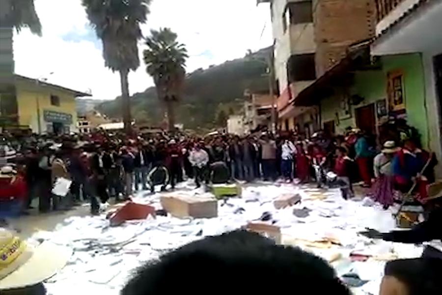 Ancash: iracundos ronderos y campesinos causaron destrozos en Fiscalía