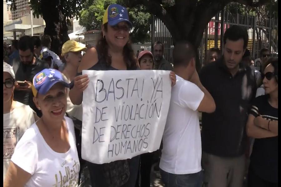 Venezolanos reclamaron la liberación de diputado opositor Juan Requesens