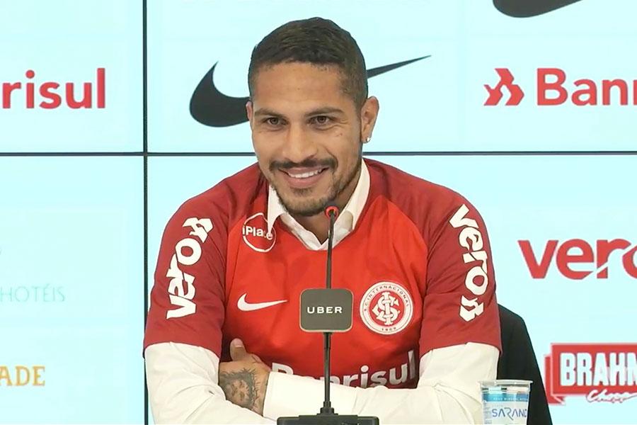 Paolo Guerrero es presentado como nueva estrella del Inter de Porto Alegre