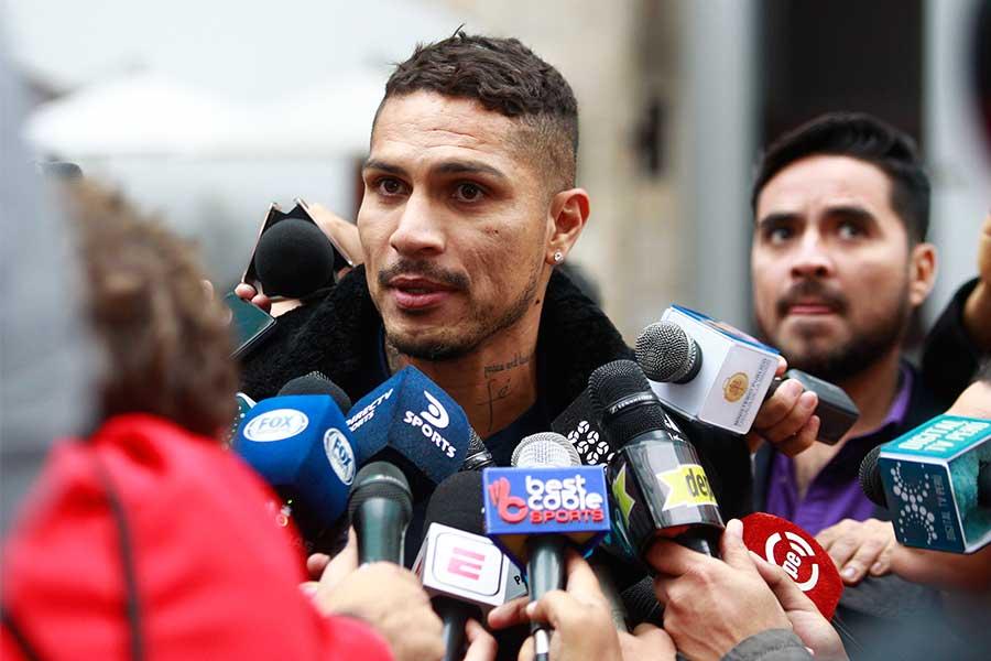 Paolo Guerrero volvió al Perú a probar su inocencia