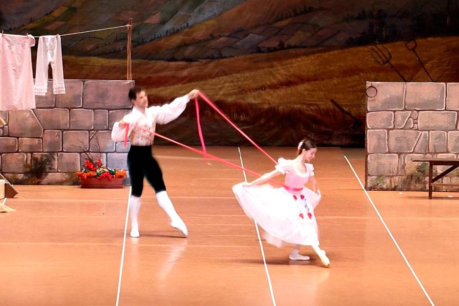 """Ballet """"la niña traviesa"""" en el teatro Municipal"""