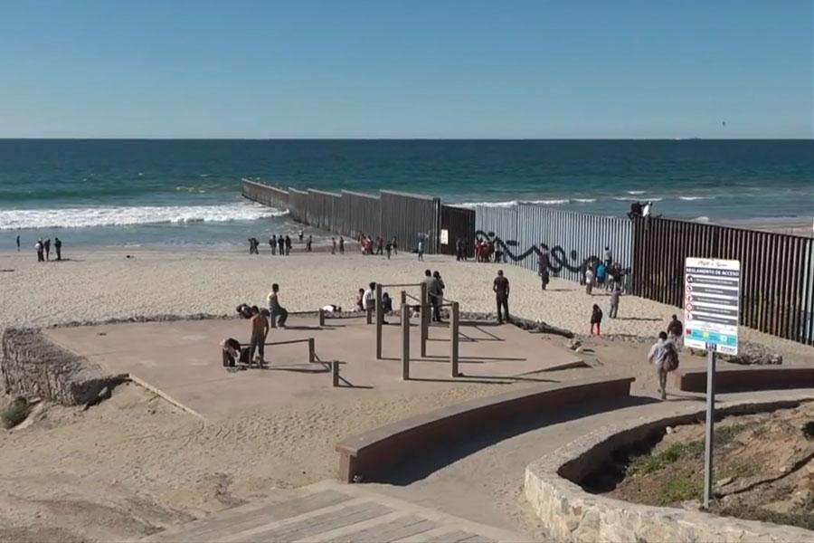 Caravana migrante acelera el paso en México hacia EE. UU.