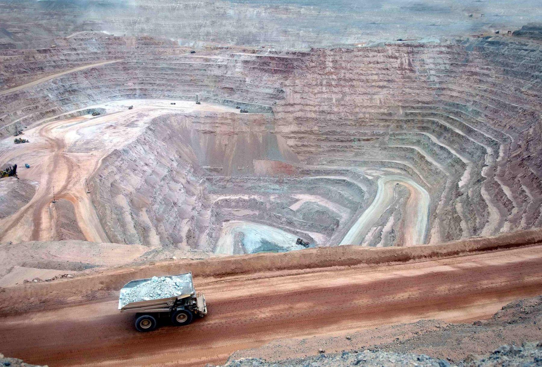 Southern Perú planea desarrollar 4 proyectos por US$ 8,000 millones al 2025