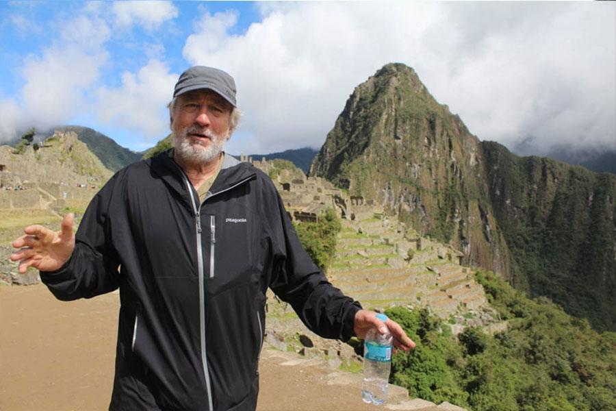 Robert de Niro en Machu Picchu demuestra buen estado físico