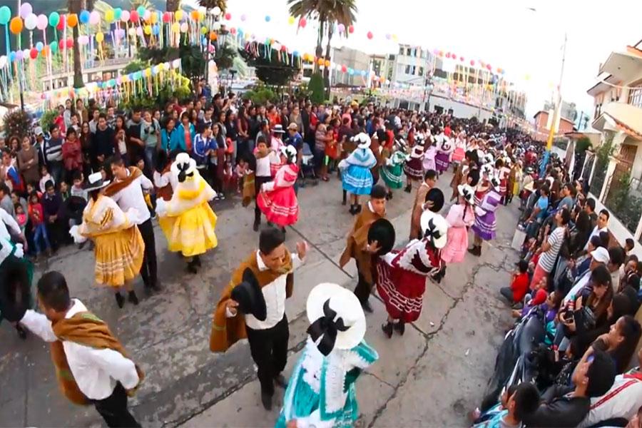 Colorido carnaval de Apurimac ofrece grandes atractivos