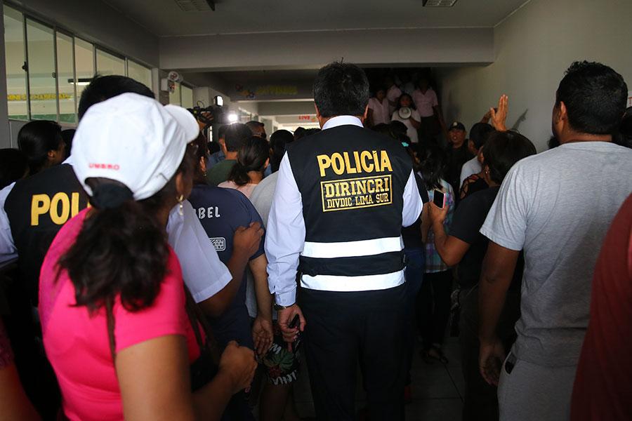 Escolar muere en accidente en colegio de Villa El Salvador