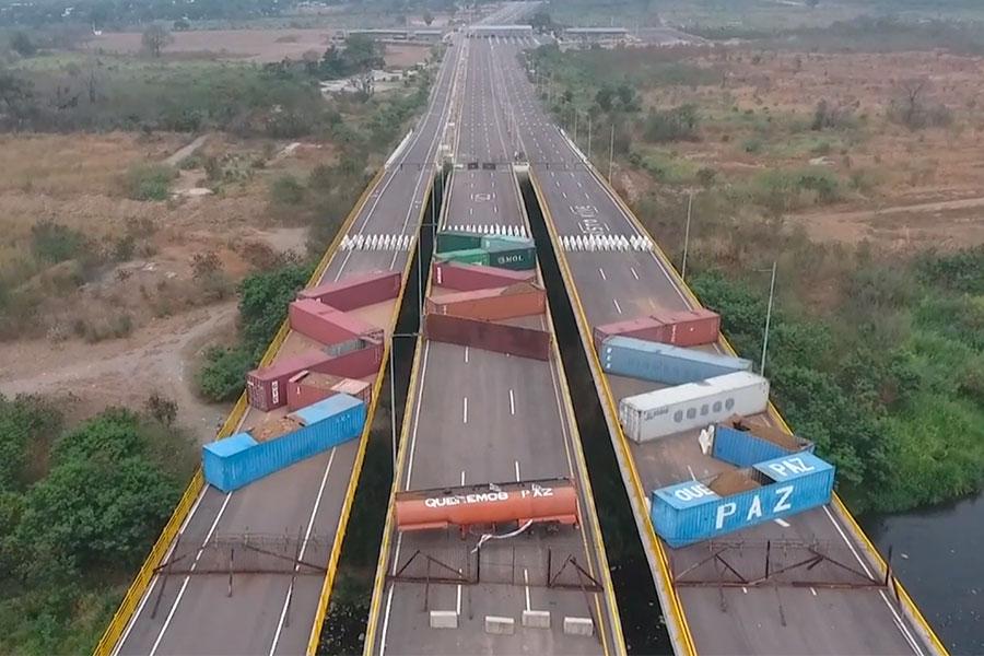 Venezuela: se refuerza bloqueo de puente fronterizo con Colombia