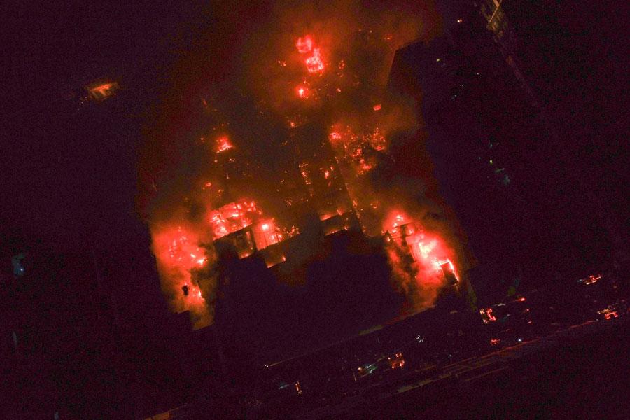 Bomberos voluntarios confinaron incendio de Mesa Redonda