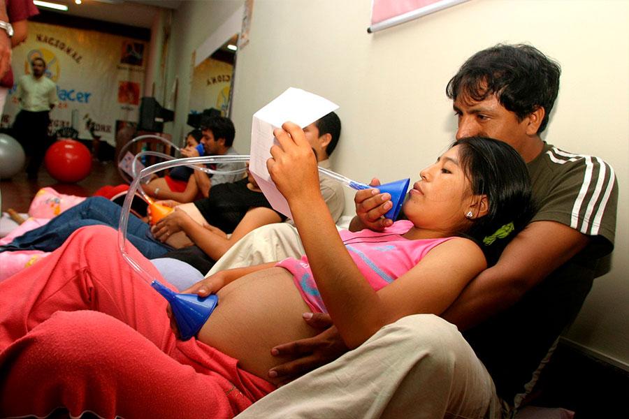 EsSalud imparte preparación psicofísica en gestantes para un parto seguro