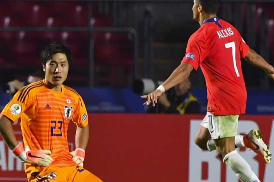 Copa América: Chile inicia su defensa con goleada