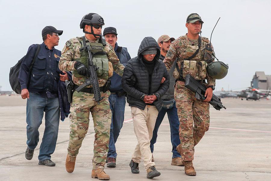 Terrorista Julio Chapo es trasladado a Lima