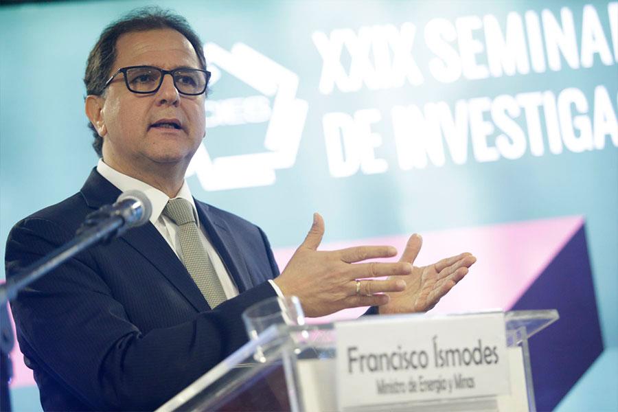 Ministro Ísmodes: Es importante despolitizar oposición al proyecto Tía María