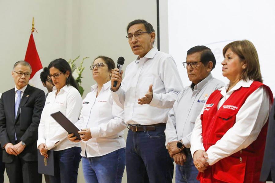 Presidente Vizcarra firma contratos para instalar centrales hidroeléctricas