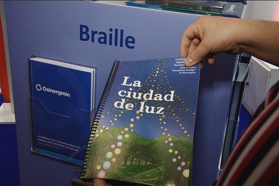 FIL 2019: Osinermin muestra libros en braille, quechua y aymara
