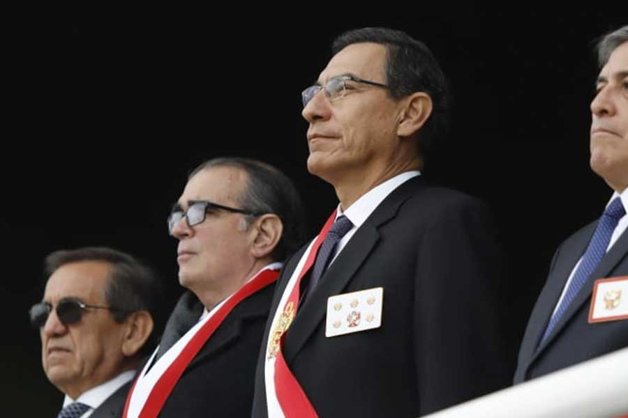 Presidente Vizcarra: los peruanos exigen un nuevo destino