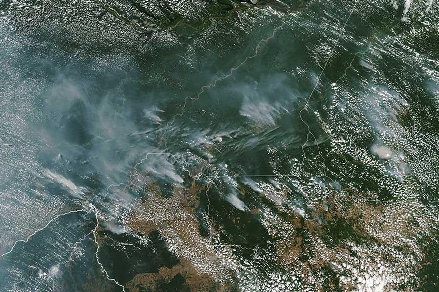Gran incendio forestal afecta varios estados de Brasil