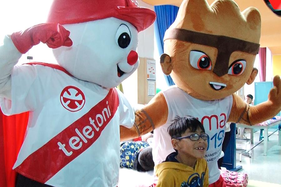Lima 2019: Milco visita a niños de la Teletón y les regala entradas