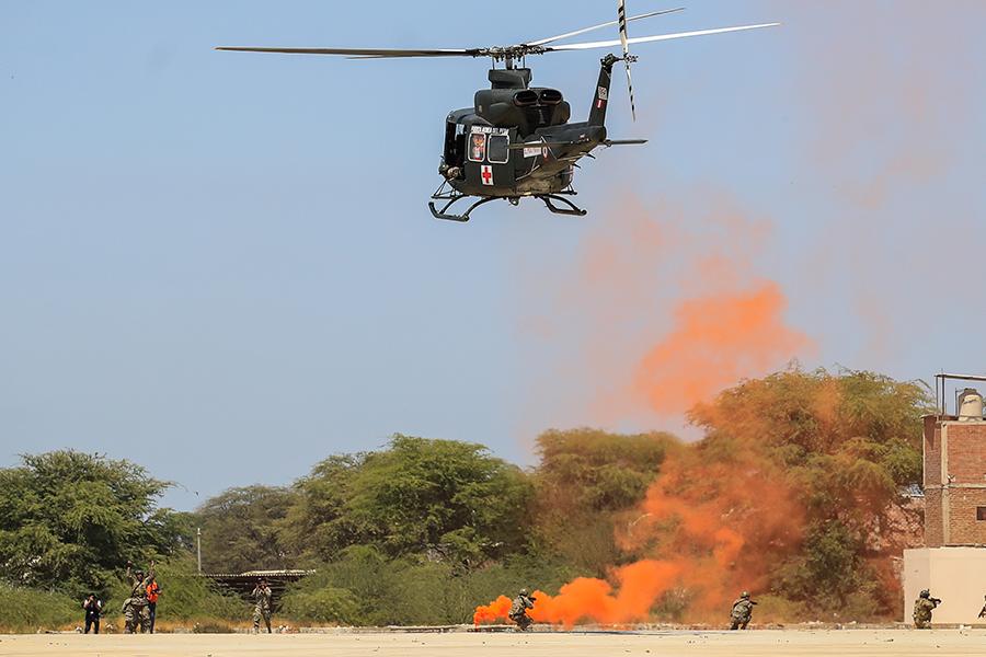 FAP muestra ejercicios de defensa nacional