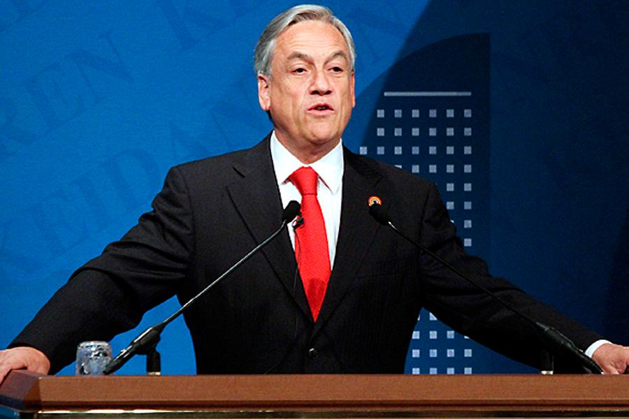 """Piñera decreta """"estado de emergencia"""" en Santiago tras jornada de disturbios"""