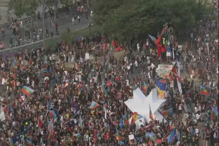 Protestas por aniversario de muerte de mapuche en Chile, que busca salir de la crisis