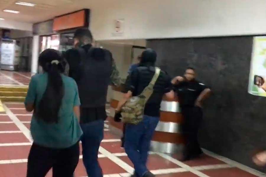 Encapuchados armados irrumpen en sede de partido de Guaidó en Caracas