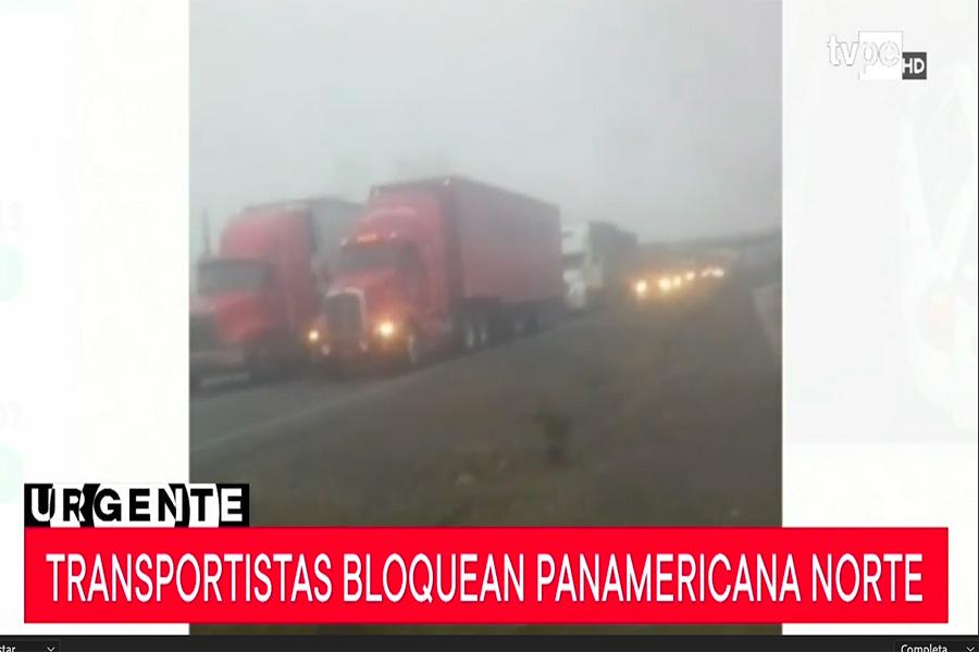 Transportistas bloquean Panamericana Norte