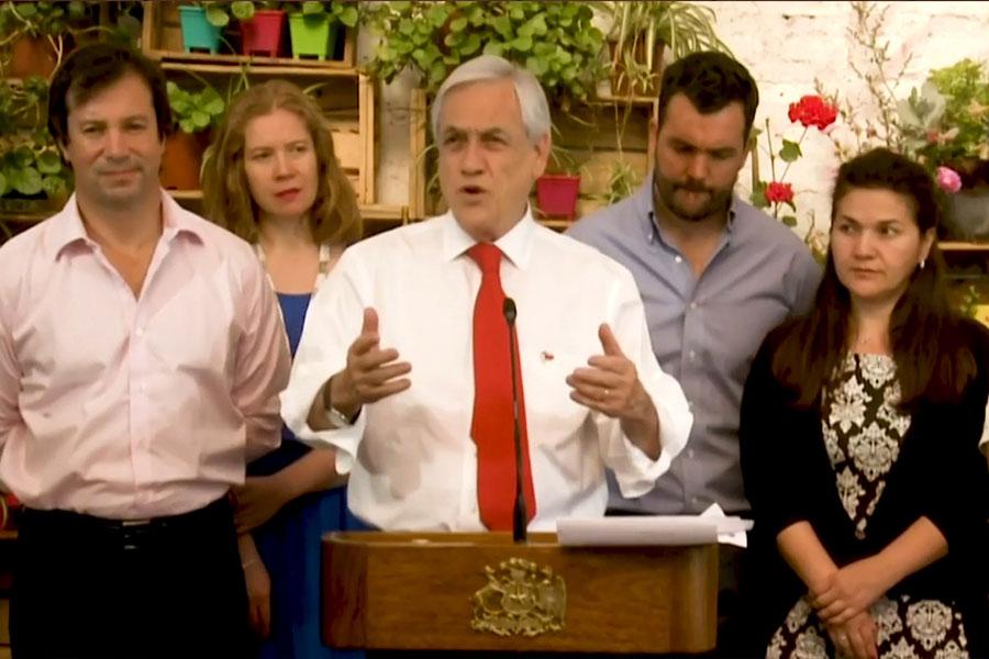 Piñera abre la billetera para hacer frente a extensa crisis social