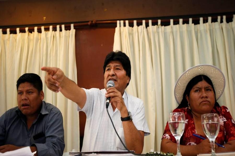 Bolivia: Evo Morales anuncia a exministro Luis Arce como candidato a la presidencia