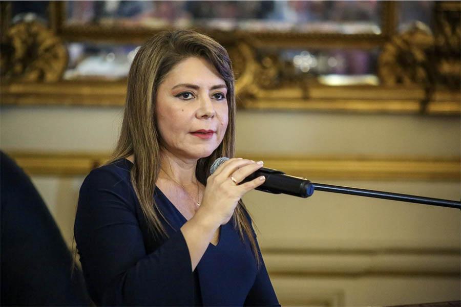 Ministra de Salud exhorta a población a donar sangre para víctimas de explosión en VES